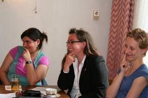 von links: Simone Gündüz, Peri Arndt und Stephanie Albrecht