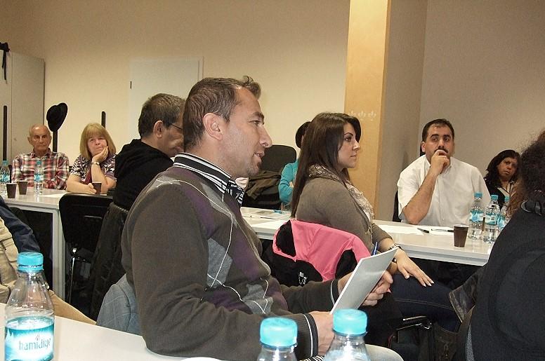 Ali Simsek, Vorsitzender des AKD e. V., beteiligte sich an der Diskussion beim 10. Inländerstammtisch der SPD Bergedorf - Photo: Simone Gündüz